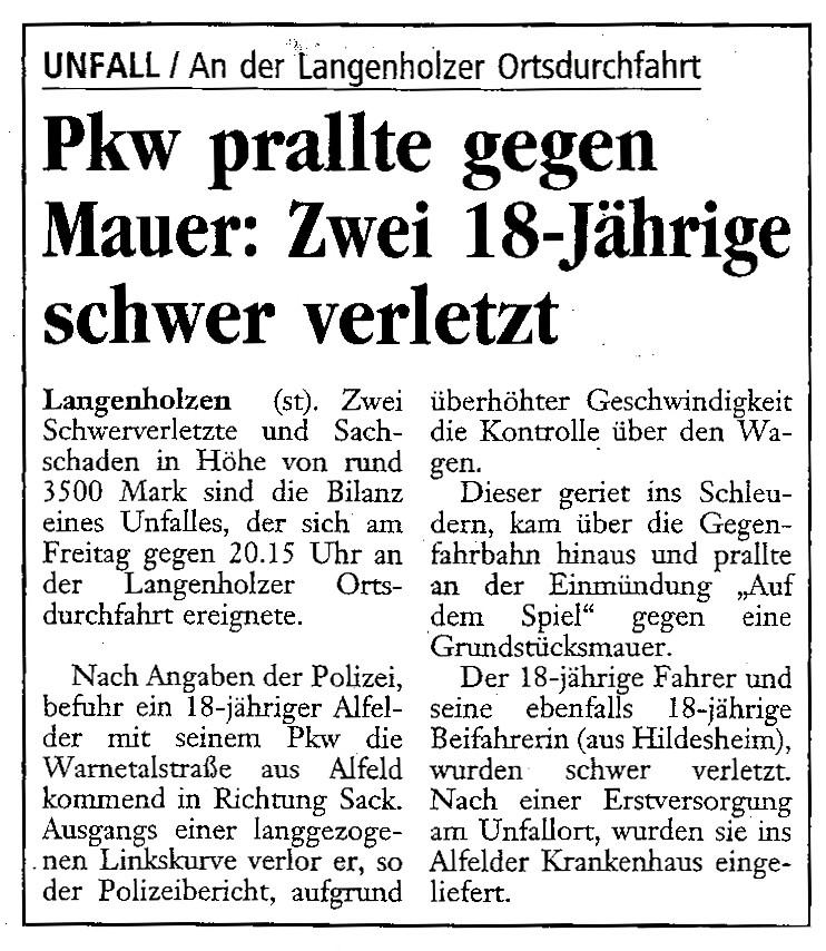 2001-01-16 Pkw prallt gegen Mauer