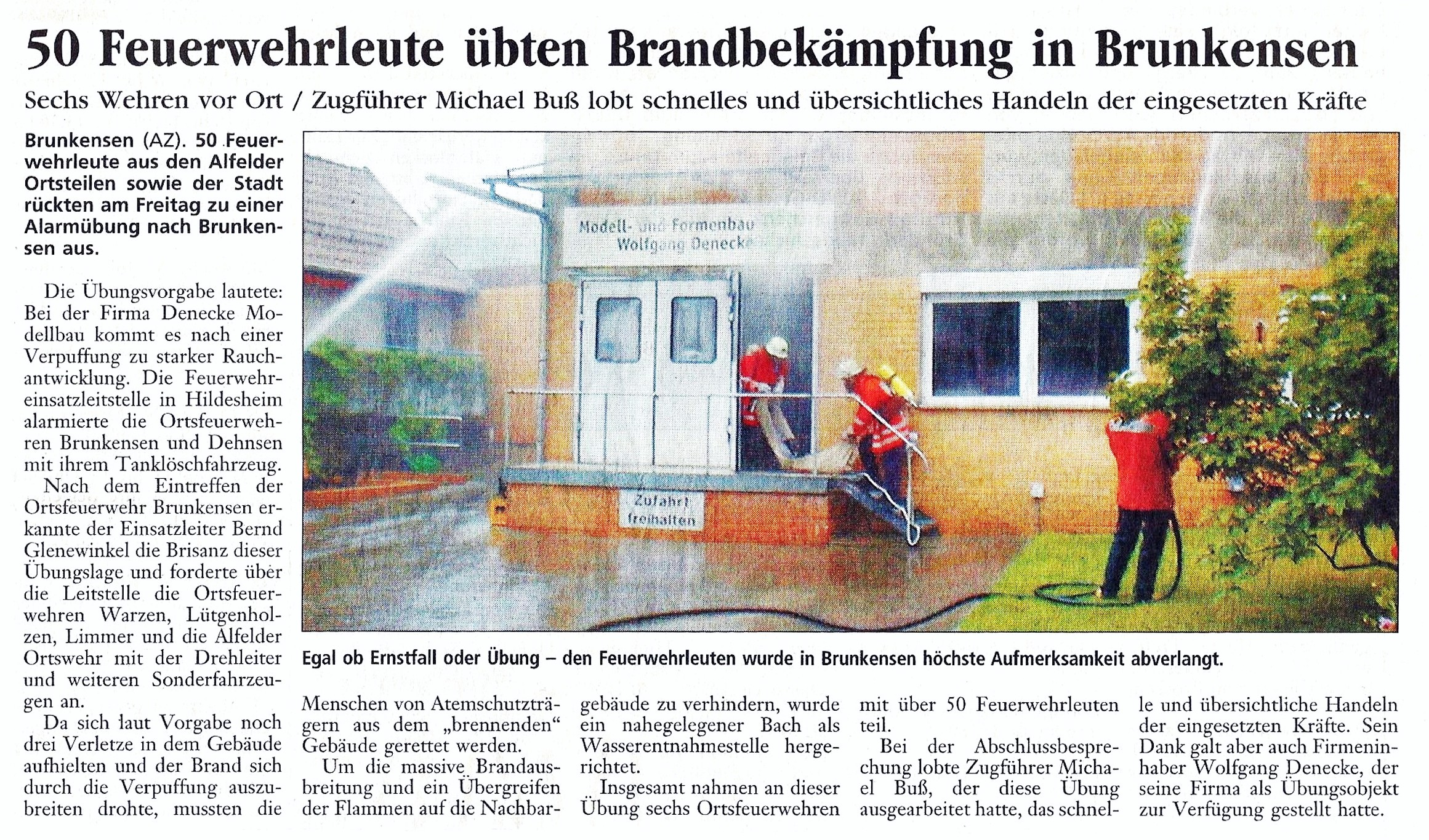 2002-07-02 50 Feuerwehrleute übten Brandbekämpfung in Brunkensen