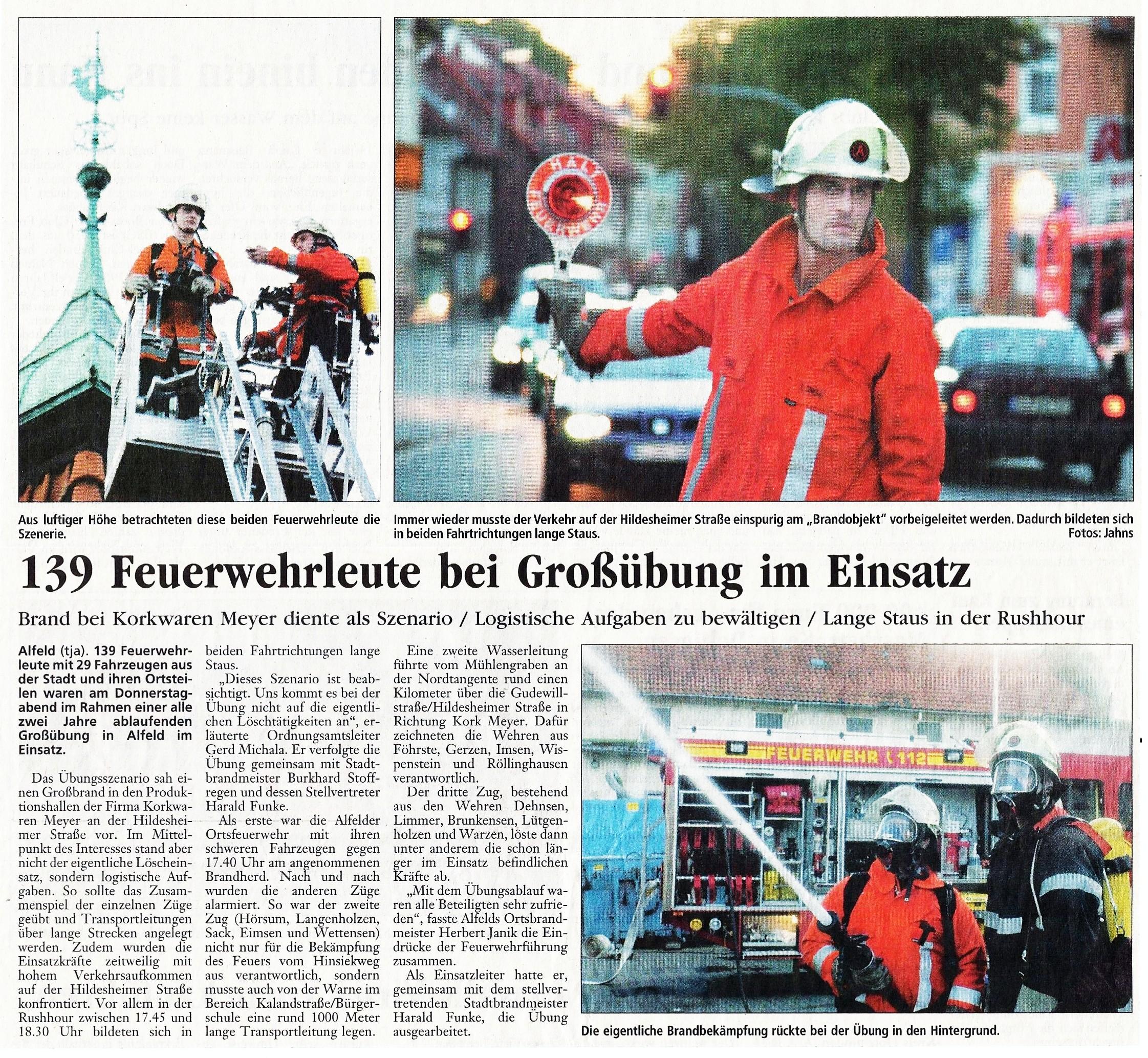 2003-10-25 139 Feuerwehrleute bei Großübung im Einsatz