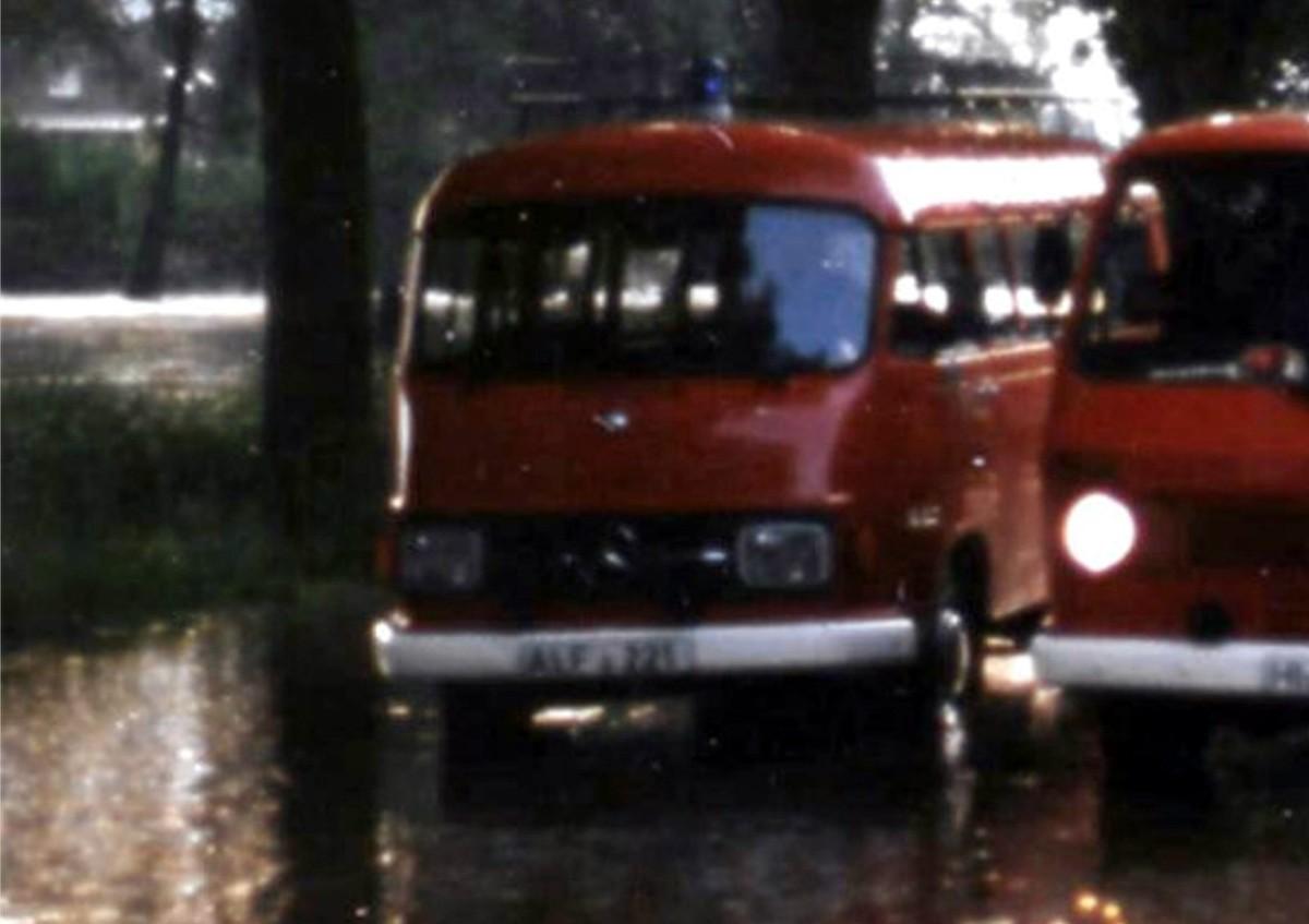 Funkkommandowagen (FuKoW) Ende der 1970er bis in die 1980er Jahre. Kennzeichen ALF-221. Der Mercedes war in der Außenstelle der FTZ in Alfeld stationiert und ein Fahrzeug des Landkreis Alfeld.