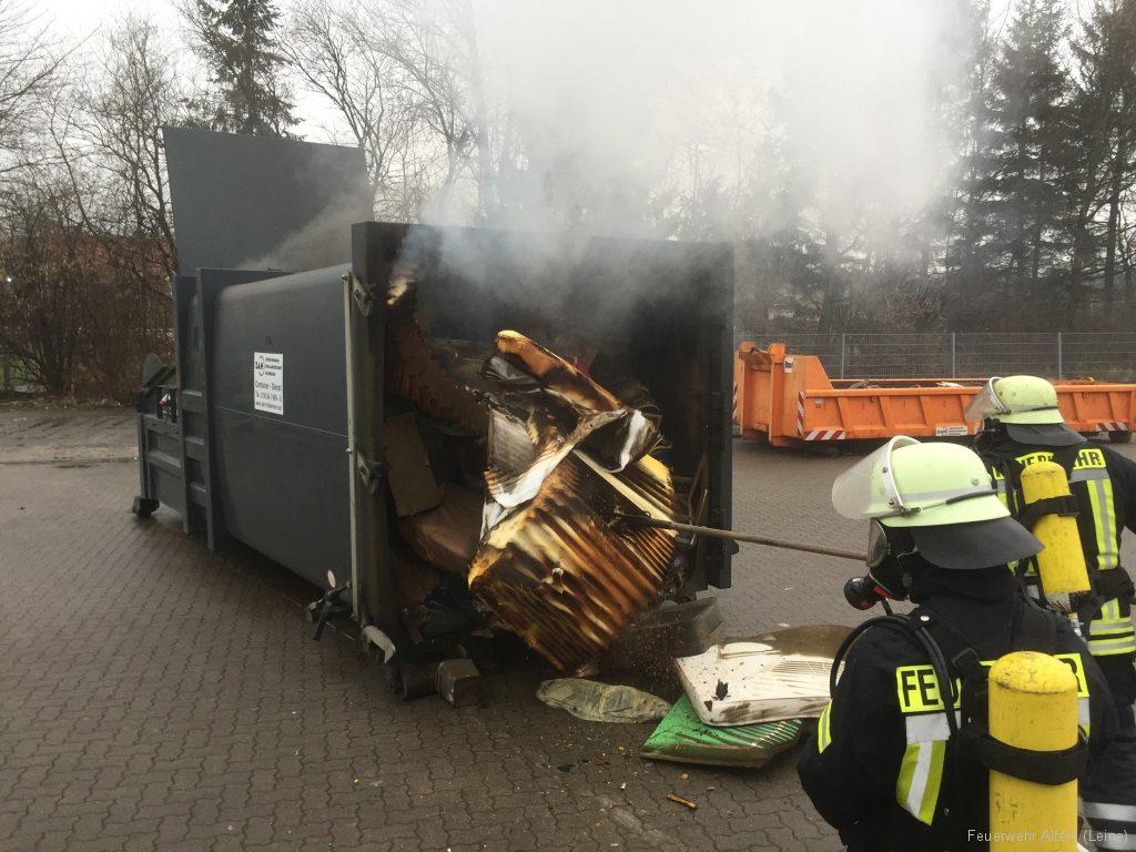 FFWA2016-02-06-05-BrandeinsatzWertstoffhof