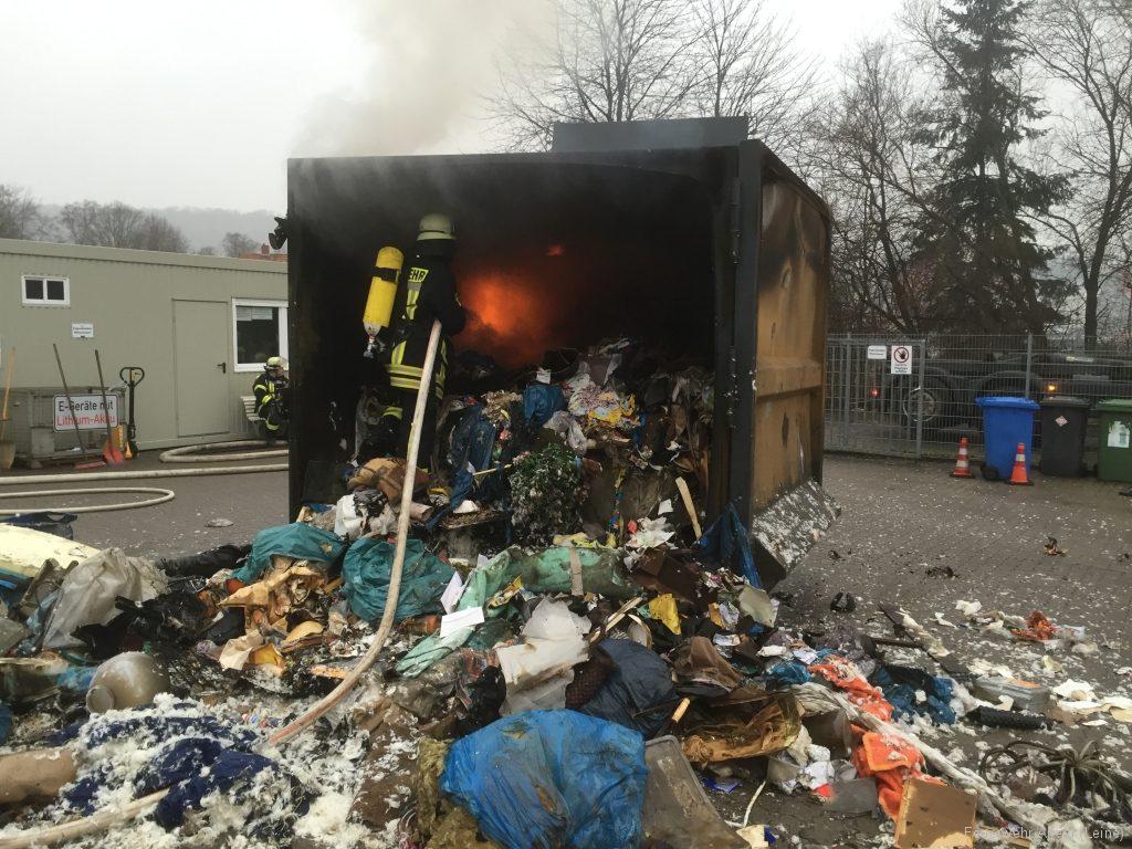 FFWA2016-02-06-47-BrandeinsatzWertstoffhof