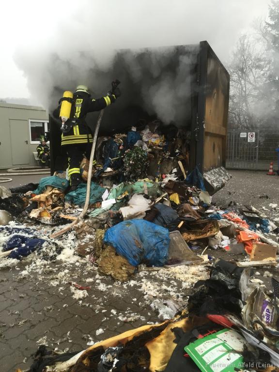 FFWA2016-02-06-49-BrandeinsatzWertstoffhof