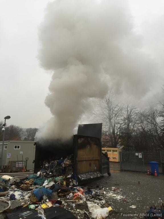FFWA2016-02-06-50-BrandeinsatzWertstoffhof