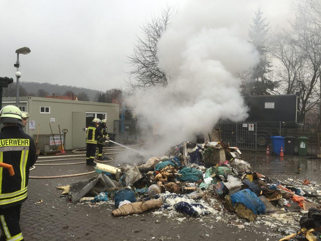 FFWA2016-02-06-70-BrandeinsatzWertstoffhof