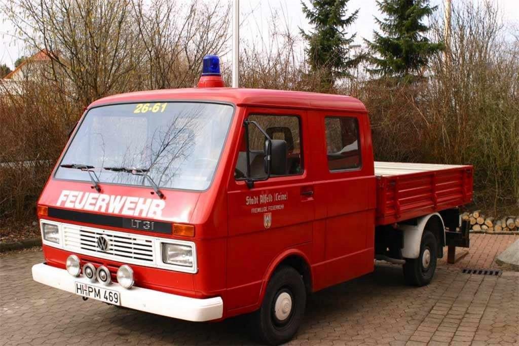 GW, bis 2009, HI-PM 469. Der VW LT 31 wurde Anfang der 2000´er vom Baubetriebshof der Stadt Alfeld übernommen und zum Feuerwehrfahrzeug umgebaut. Funkrufnummer: Florian-Hilburg 26-61