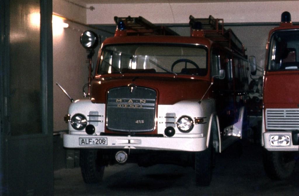 LF 16, 1964 bis ca. 1978, ALF-206, Der MAN wurde Ende der 1970er Jahre durch ein TLF 16 ersetzt und an die Feuerwehr Freden abgegeben. (Fahrzeug der Kreisfeuerwehrbereitschaft des Landkreis Alfeld)
