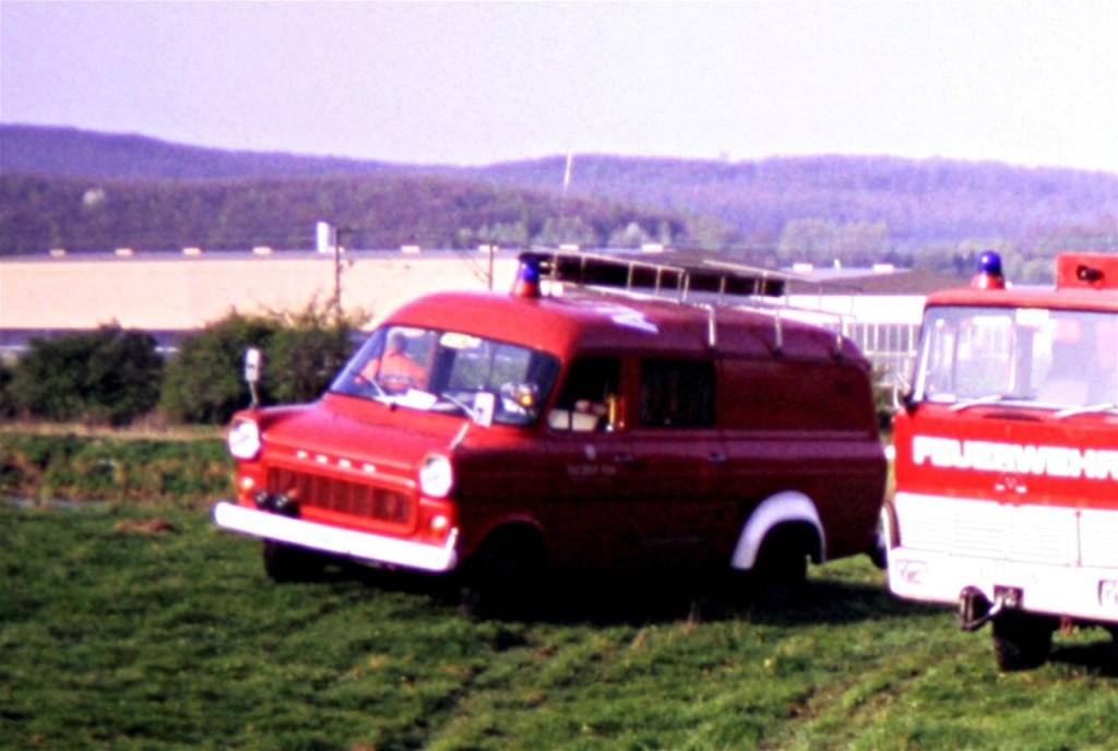 TSF, 08.01.1987 bis Anfang der 1990 Jahre. ALF-AR 72, Funkrufname: Florian Hilburg 26-20. Das TSF wurde von der Feuerwehr Föhrste übernommen